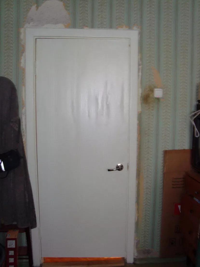 Как обновить старые белые двери своими руками