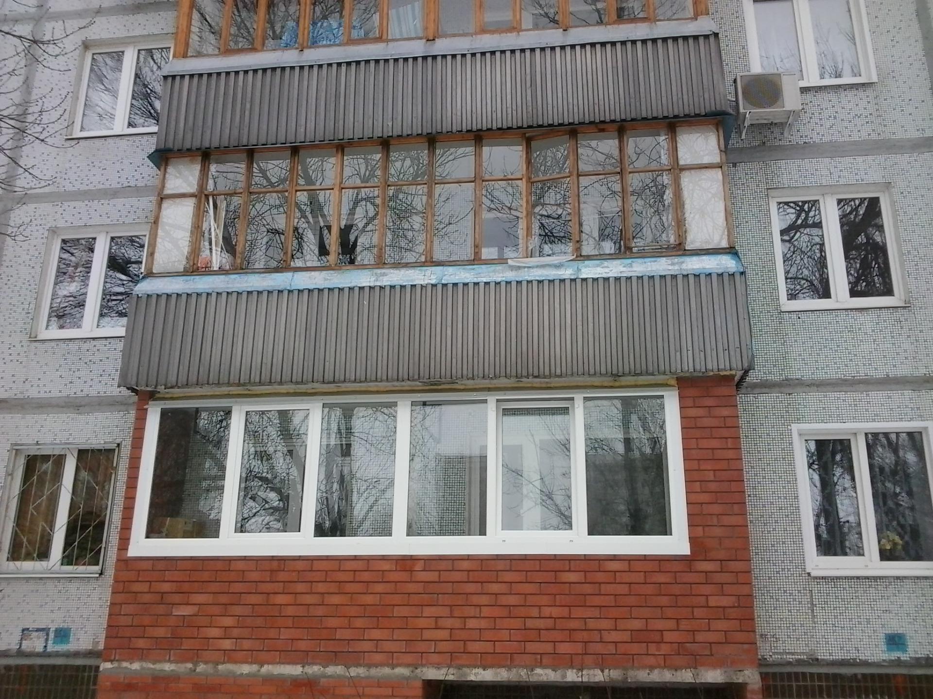 Кирпичная кладка балкона..