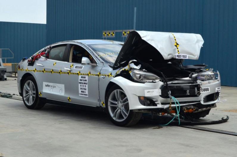 тесла автомобиль краш тест #11