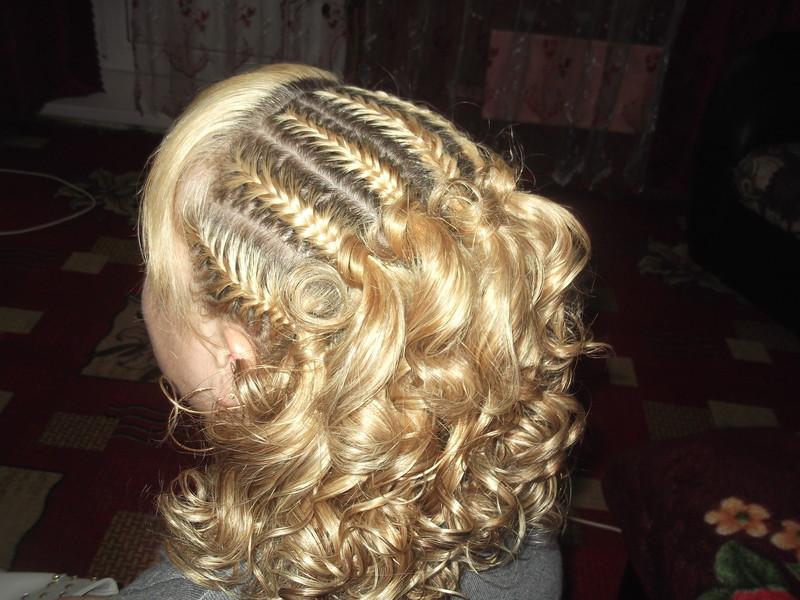 Прически с косами на средние волосы девочек