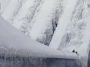 25 тысяч тонн льда - к опасениям ученых на СШГЭС относятся скептически