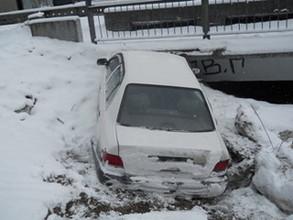 Снег сделал опасными поездки в сторону Саяногорска