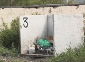 В саяногорских гаражах появились мусорные контейнеры