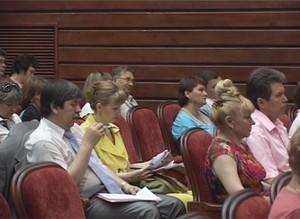 Зарплата саяногорских учителей и врачей с 1 июня начала расти