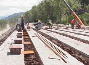 Подрядчика, выполняющего работы по реконструкции дороги Саяногорск – Черемушки накажут за срыв сроков сдачи