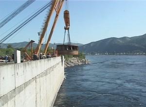 На Майнской ГЭС испытали грузоподъемный механизм