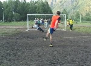 Определилась сильнейшая дворовая футбольная команда Саяногорска
