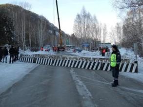 Красноярцы отремонтируют мост через Малый Карак