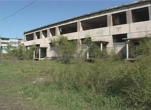 Саяногорский долгострой обнесут забором
