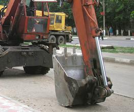 В Саяногорске экскаватор стал причиной ДТП