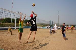 На чемпионате по пляжному волейболу у саяногорцев бронза