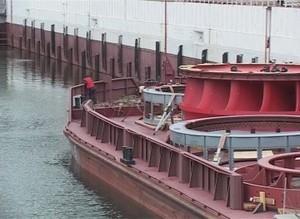Очередная партия оборудования для СШГЭС на подходе к Майнской плотине