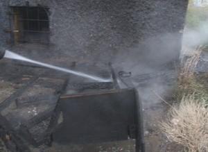 У одного из домов Саяногорска сгорел диван