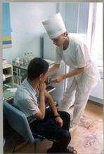 В Саяногорске металлурги начали массово прививаться от гриппа