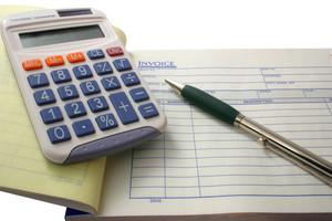 Срок уплаты налогов на имущество, транспортного и земельного налогов истекает 1 ноября 2012 года