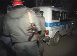 Жительницу Саяногорска подозревают в избиении полицейского