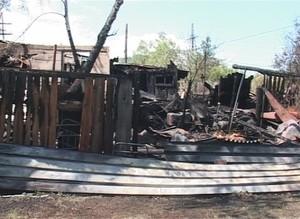 В Саяногорске сгорел дачный домик