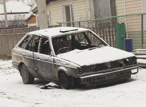 В Саяногорске сгорело 2 гаража и машина