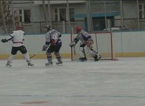 В Саяногорске открылся сезон хоккея с шайбой