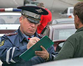 Госавтоинспекторы призывают саяногорских водителей встретить Новый год без долгов
