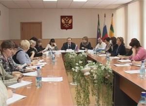Избирком Саяногорска заканчивает формирование участковых избирательных комиссий