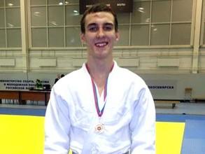 Саяногорский пловец Павел Татаренко стал вторым в интернет-конкурсе «Лучший спортсмен месяца»