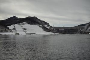 Саяно-Шушенский гидроэнергокомплекс готовится к пропуску весеннего половодья