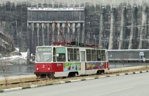 Трамвай Черемушек украсили русалки