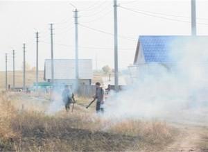 Саяногорские пожарные продолжают борьбу с огнем в степных массивах