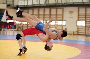В Хакасии завершился чемпионат по вольной борьбе