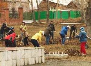 Саяногорцы дружно вышли на уборку города