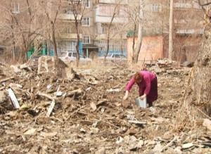 Остатки последнего снесённого барака в Енисейском микрорайоне уберут до 1 мая
