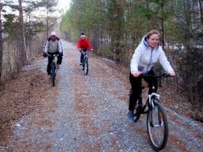 Автомобилисты помогут велосипедистам