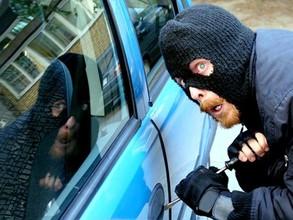 В Саяногорске будут судить парней, которые не смогли угнать машины