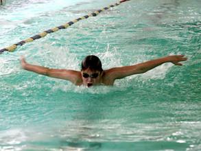 Саяногорские пловцы в своем духе: медали, награды и новые разряды
