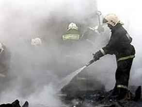 Автосервис в Саяногорске уничтожен огнем