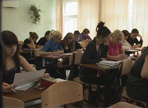 Сегодня выпускники российских школ сдают ЕГЭ по математике