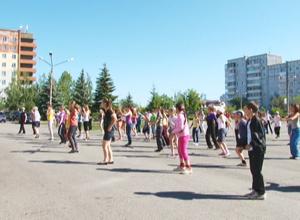 Новинка спортивного лета 2013 – зарядка выходного дня, пользуется популярностью у горожан