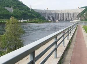 В качестве площадки для встречи Олимпийского огня выбрана смотровая Саяно-Шушенской ГЭС