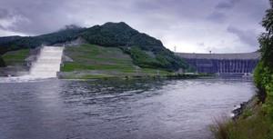 Береговой водосброс СШГЭС приступил к пропуску паводковых вод