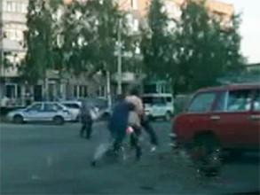 В Саяногорске пьяный водитель, сбив торговку клубникой, пытался сбежать