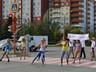 Водителям Саяногорска нестандартно напомнили о юных пешеходах на дороге