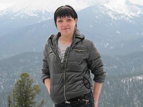 В Саяногорске бесследно исчезла молодая мать двоих детей