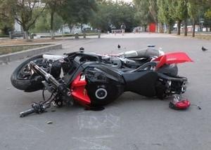 В Хакасии 57-летний мотоциклист протаранил иномарку