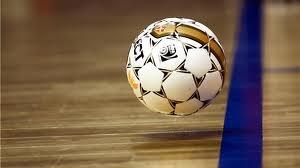 Давайте сыграем в мини-футбол?