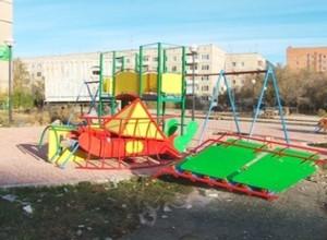 В новом сквере началось строительство детского игрового городка