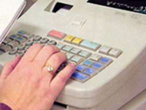В Саяногорске бухгалтер и продавщица обокрали хозяина на миллион с лишним