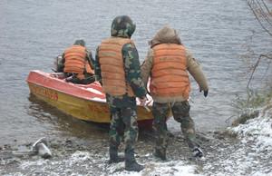 Возле Черемушек перевернулась моторная лодка – троих ищут водолазы