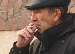 3 тысячи рублей – за курение на детской площадке