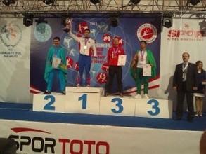Тренер по боксу ФСК «Черемушки» Александр Березкин воспитал еще одного чемпиона